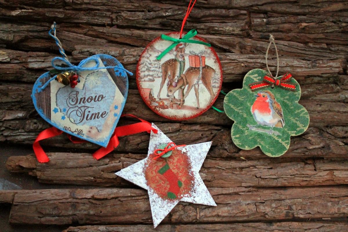 Χριστουγεννιατικα στολιδια με decoupage - Μερος πρωτο